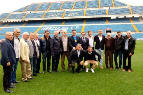 Homenaje a Kempes en el estadio Rico Pérez