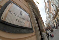 Fachada principal del Rectorado de la Universidad de Cádiz.