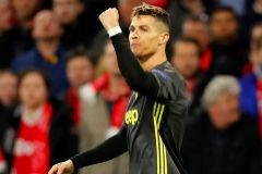 Cristiano responde a un Ajax con poca puntería