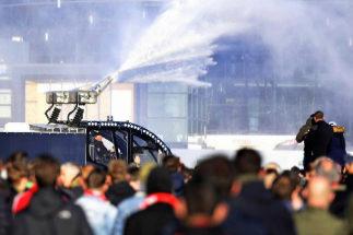 Detienen en Amsterdam a un centenar de hinchas de la Juventus