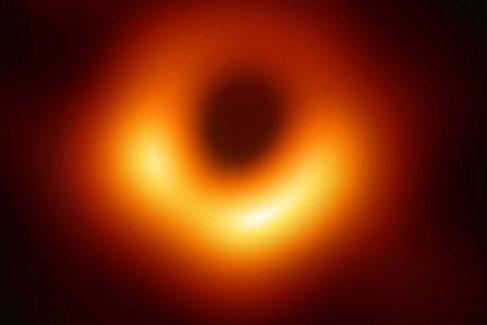 La imagen del agujero negro de la galaxia M87