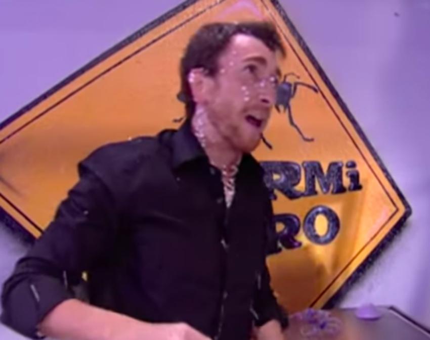 El presentador Pablo Motos tras jugarse la vida con Marron en una arriesgada prueba de la sección de ciencia de El Hormiguero