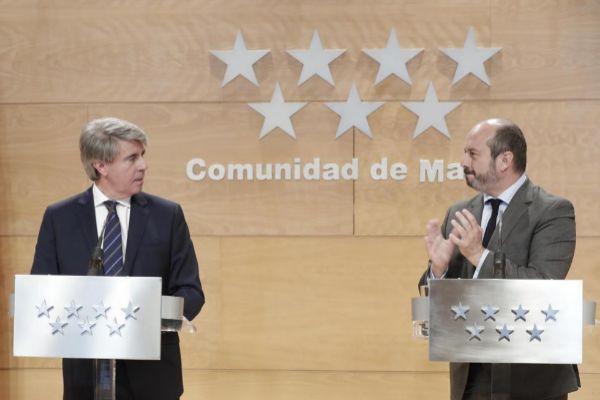 Ángel Garrido y su sucesor, Pedro Rollán.
