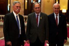 El president, Quim Torra, con el presidente del Circuit, Vicenç Aguilera (dcha.) y el CEO de la F1, Chase Carey