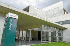 Entrada principal del hospital concesional de Dénia que pertenece a DKV (65%) y a Ribera Salud (35%).