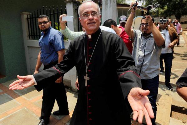 El arzobispo auxiliar de Managua, Monseñor Silvio José Báez.