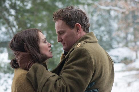 Keira Knightley y Jason Clarke vuelven a dar vida a un matrimonio, como ya ocurriera en 'Everest'.