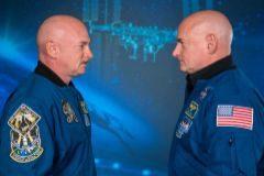 Los astronautas gemelos Mark y Scott Kelly.