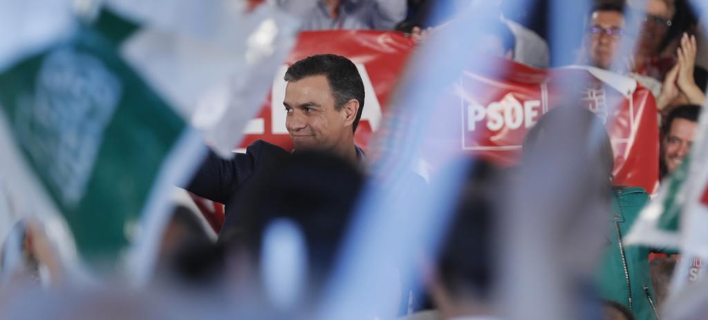 Pedro Sánchez, en el mitin de Dos Hermanas (Sevilla).