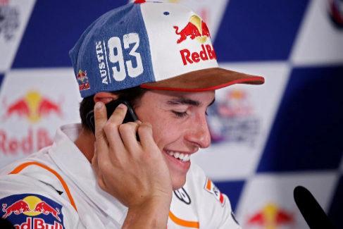 """Márquez y el saludo de Rossi: """"Es como el primer beso con una chica"""""""