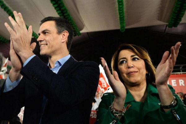 Pedro Sánchez y Susana Díaz, en el mitin en Dos Hermanas.