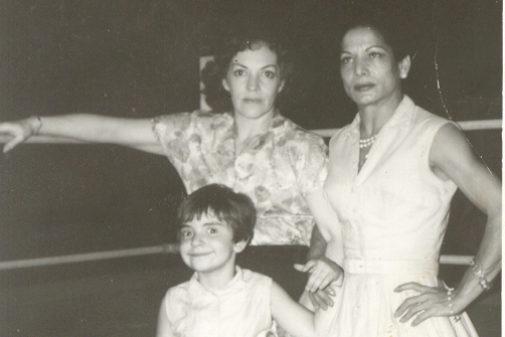 Carmen Amaya asiste en 1961 a una fiesta en casa de Sabicas.