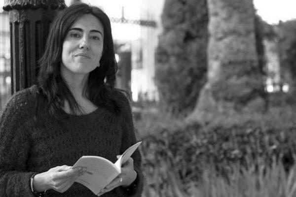 La poeta Raquel Lanseros.