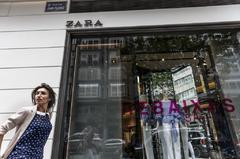 Un escaparate de Zara en A Coruña.