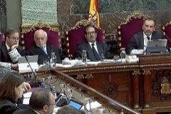 El presidente del tribunal, Manuel Marchena (dcha.), durante el juicio.