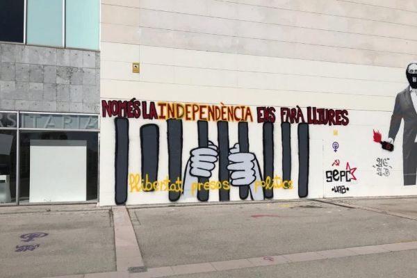 Imagen de un mural denunciado por la entidad