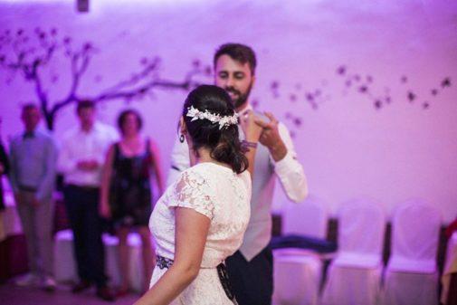 Dina y su esposo en su boda, el año pasado, en Portugal.