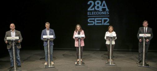 Martínez Dalmau, Toni Cantó, Mónica Oltra, Isabel Bonig y Ximo Puig, los candidatos a presidir la Generalitat, durante el debate organizado por Radio Valencia.