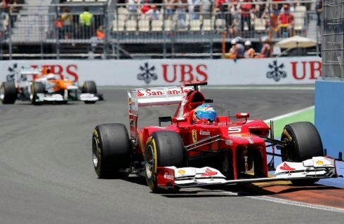 Alonso, con el Ferrari, durante el GP de Europa de 2012.