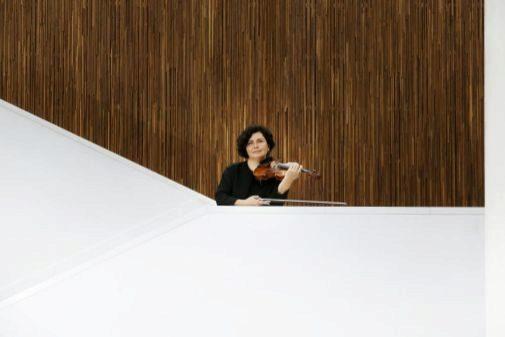 Kondakova, en las escaleras del ADDA. El domingo interpretará la séptima sinfonía de Shostakovich.