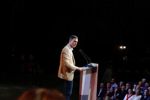Pedro Sánchez, en el acto de campaña del PSOE en Arona (Tenerife)