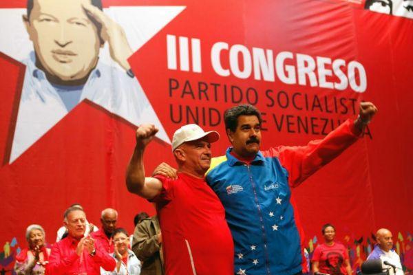 Hugo Carvajal junto a Nicolás Maduro, en Caracas.