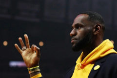 Dimisiones, despidos y polémicas: el último sainete de Los Angeles Lakers