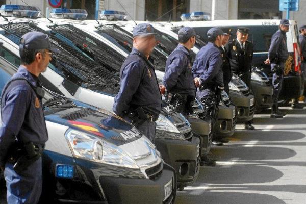 Presentación de siete nuevos vehículos, coches de la Policía...
