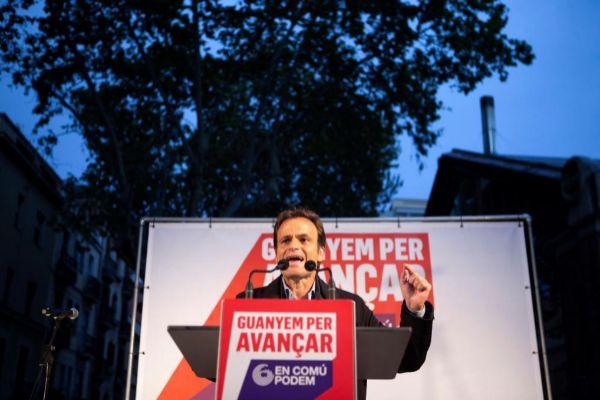 GRAF9515. BARCELONA.- El número uno por Barcelona, Jaume <HIT>Asens</HIT>, durante su intervención, esta tarde en Barcelona, en el acto de inicio de la campaña electoral de En Comú Podem para las generales del 28 de abril, que comienza oficialmente esta medianoche.