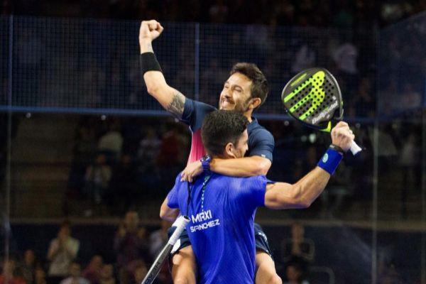 Gutiérrez (i) y Maximiliano Sánchez,(d) en la final.