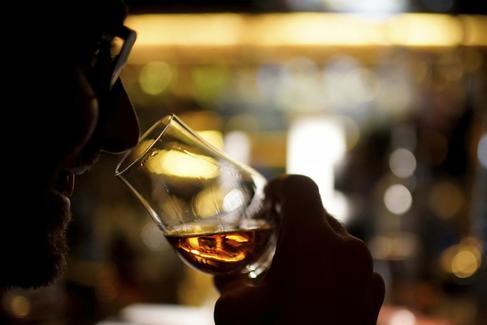 ¿En qué invierten los multimillonarios del mundo? Piensa en whisky...