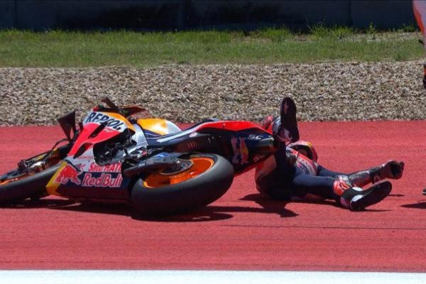 Márquez, en el suelo tras la caída sufrida en Austin.