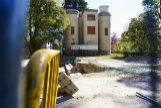Edificios en ruinas, esculturas mutiladas... las deficiencias que lastran el parque de El Retiro