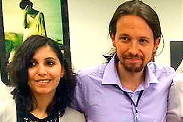 Dina Bousselham con Pablo Iglesias en Bruselas.