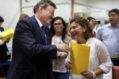 El president de la Generalitat, Ximo Puig y la presidenta del PPCV, Isabel Bonig.