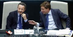 Henríquez de Luna junto al candidato a la Alcaldía, Martínez-Almeida.