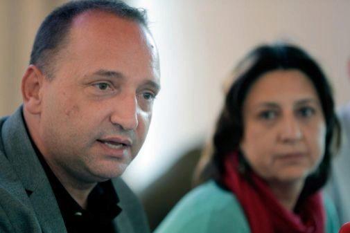 Martínez Dalmau, junto a la número 2 de su candidatura,Rosa Pérez