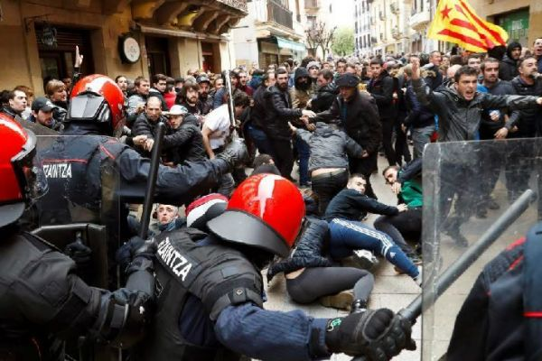 Radicales boicotean un acto de Cs en Errenteria.
