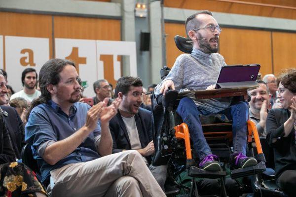 Pablo Iglesias, junto a Echenique, 'número tres' de Podemos.