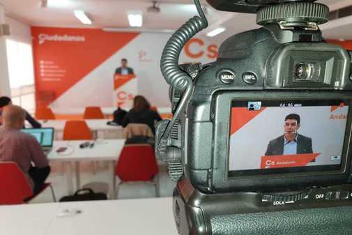 El portavoz del grupo parlamentario de Cs, Sergio Romero, este lunes en conferencia de prensa.