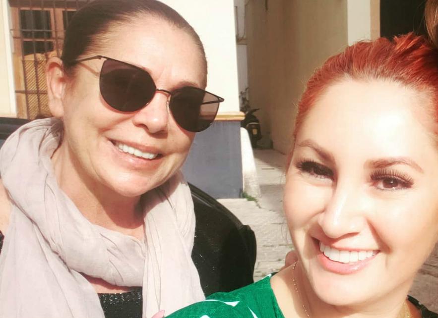 La bloguera y colaboradora televisiva, Aneth Acosta, amiga de...