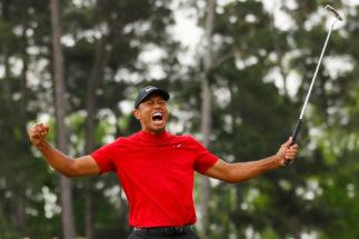 Tiger Woods celebra su triunfo en Augusta