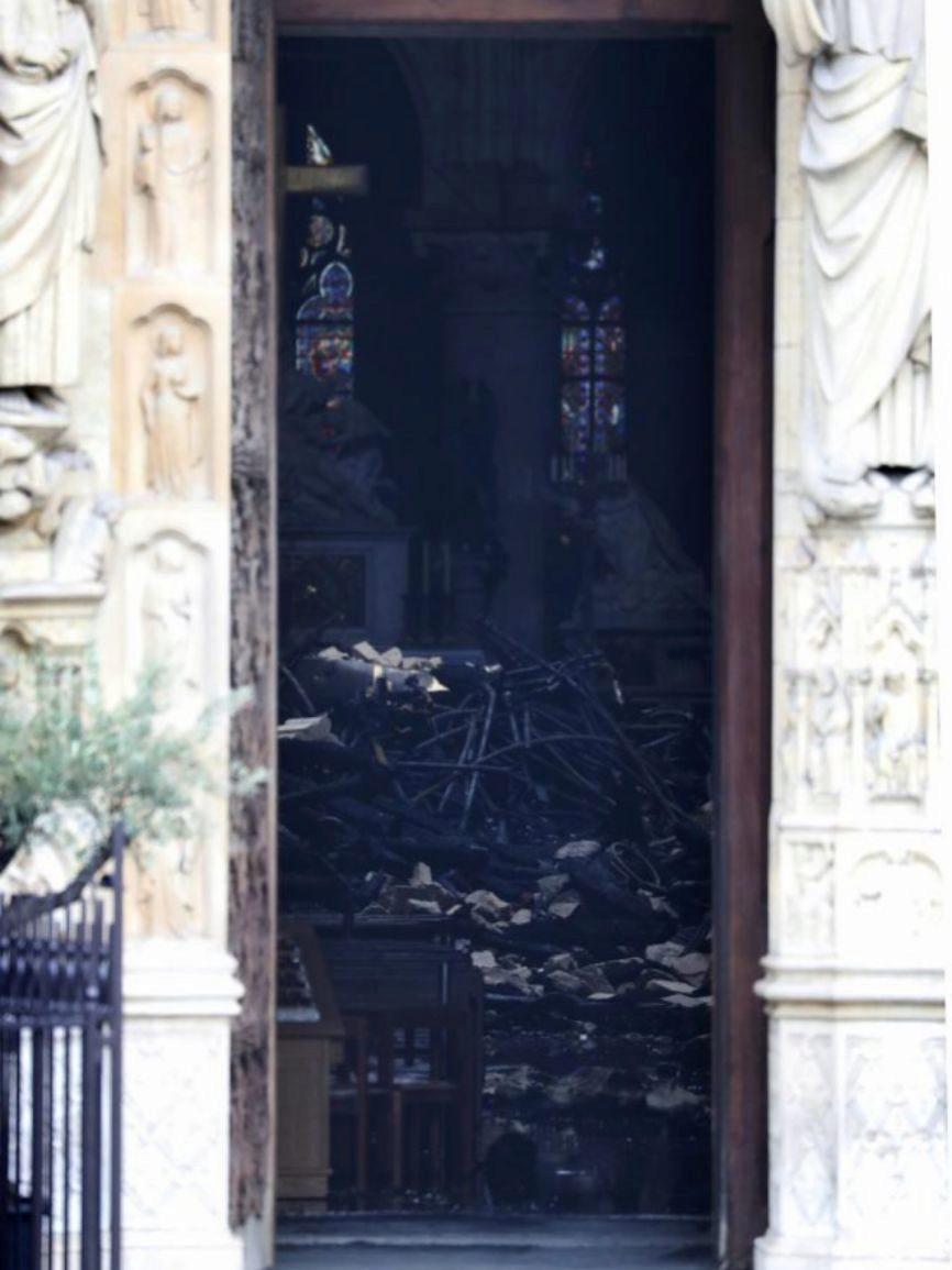 El interior de la Catedral de Notre Dame.