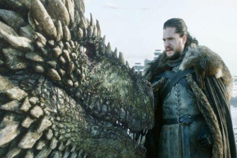 Jon Nieve (Kit Harington) antes de montar en dragón en la octava temporada de Juego de Tronos, cuyo primer episodio deja numerosas preguntas por resolver
