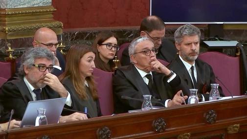 Los abogados de las defensas Jordi Pina, Marina Roig, Javier Melero y Andreu Van Den Eynde.