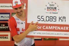 El belga Campenaerts lleva a otro nivel el récord de la hora: 55,089 km