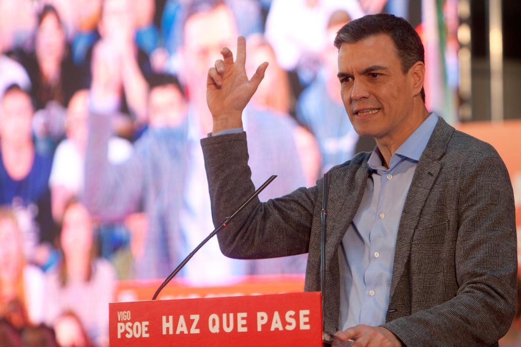 El presidente del Gobierno, Pedro Sánchez, el martes, en un mitin en Pontevedra.