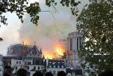 Imagen de la catedral de Notre Dame de París, en llamas.