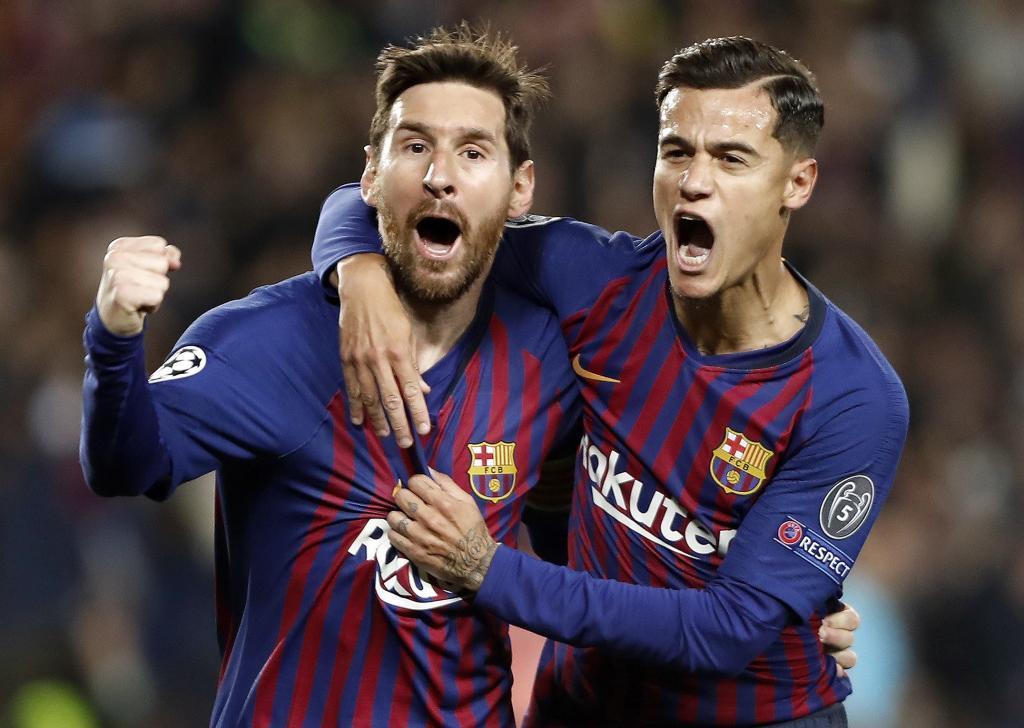 GRAF2602. BARCELONA.- El delantero argentino del Barcelona Leo <HIT>Messi</HIT> (i) celebra con su compañero Philippe Coutinho el primer gol ante el Manchester United, durante el partido de vuelta de cuartos de final de la Liga de Campeones que se disputa esta noche en el Camp Nou.