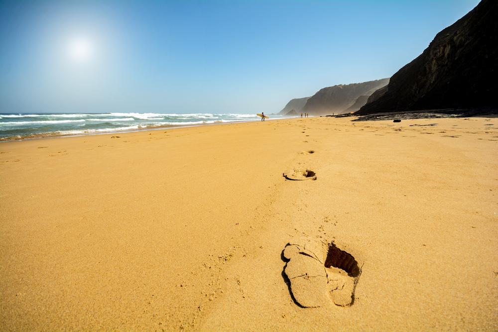 Aunque su nombre se traduce como Valle de los Hombres, esta playa en...